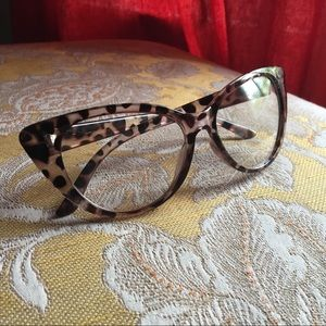 zeelool Accessories - women's cat eye glasses